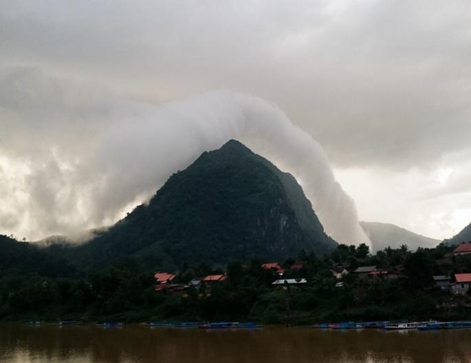 Cloud halo nong khiaw