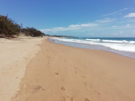The extremely hot & un-sheltered beach